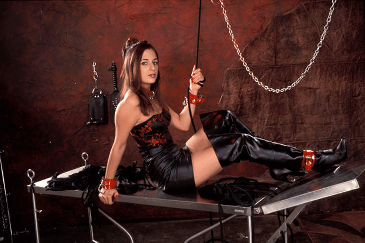 Deutsche Fetisch Schlampe sucht BDSM Sextreffs