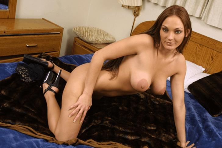 Vollbusige Studentin sucht erotische Treffen mit Online Erotik Kontakte